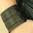 Стильный черный кожаный браслет