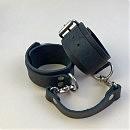 Кожаные наручники  KinKStuff